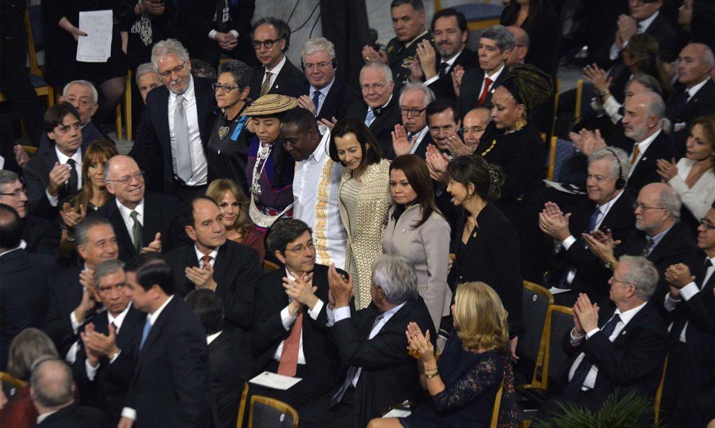 A los 8 millones de víctimas del conflicto armado, el Presidente Juan Manuel Santos dedicó el Premio Nobel de Paz 2016. Algunas de ellas como Clara Rojas e Ingrid Betancourt, acompañaron al Primer Mandatario en Oslo.