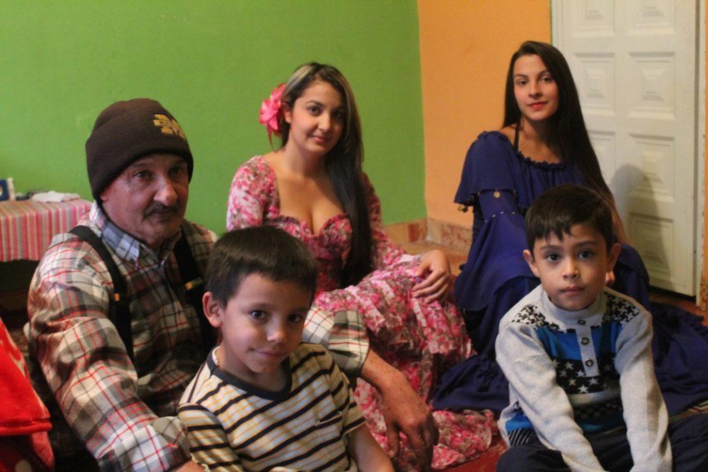 Familia gitana de la kumpania de Bogotá.